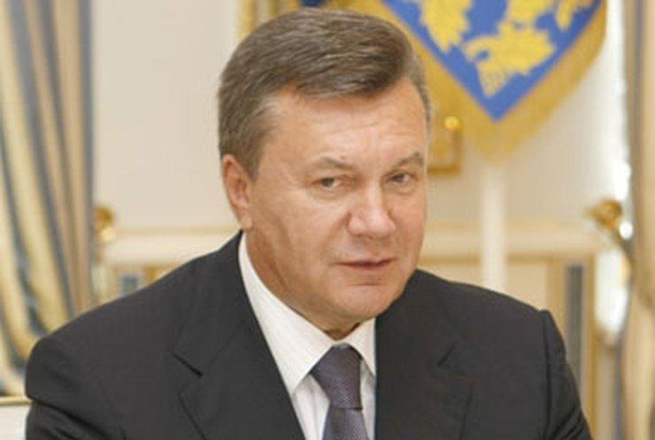 Янукович поручил снизить цены на гречку