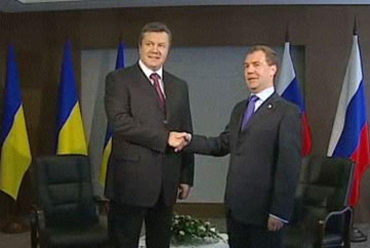 Янукович и Медведев хотят соединить Крым с Россией