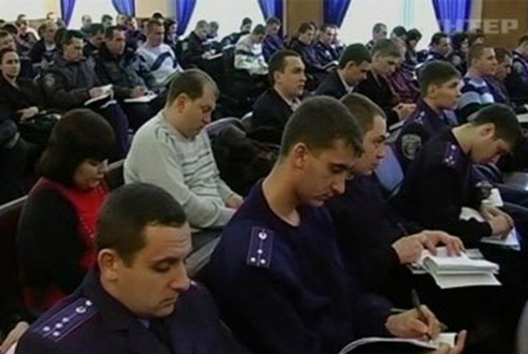 В Кировограде милиционеры взялись за английский