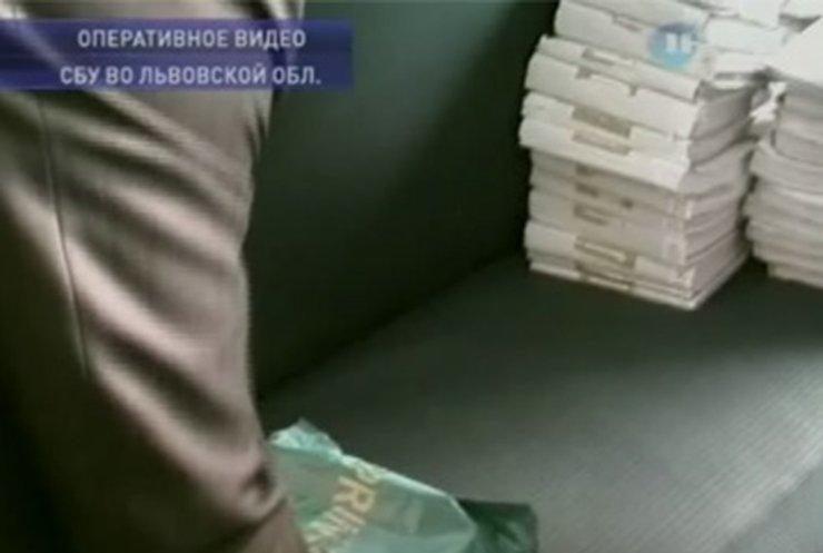 Во Львовской области судью поймали на взятке в 400 тысяч гривен
