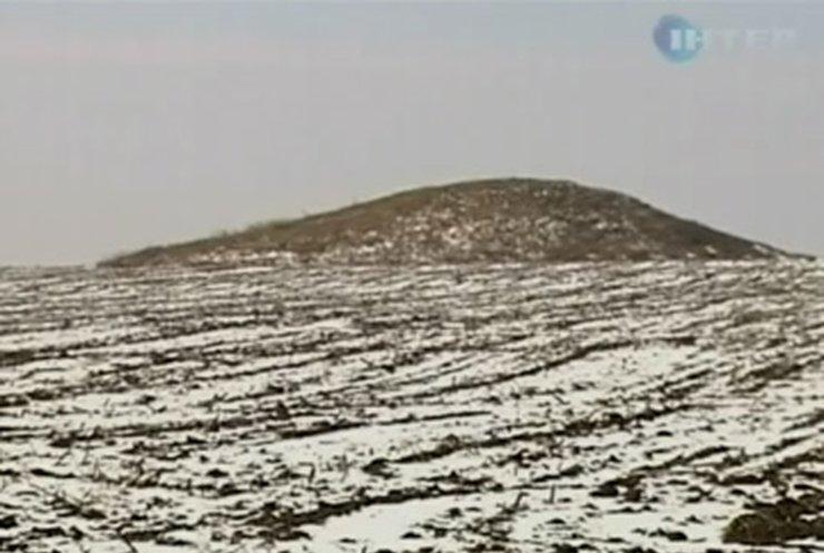 В Компаниевке на Кировоградщине фермеры пашут поля, а находят - бомбы