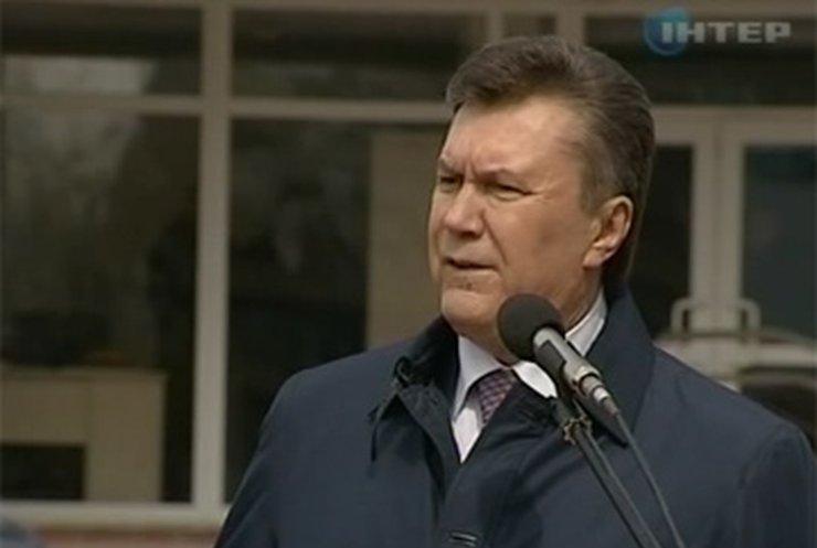 Янукович принял участие в открытии Черкасской областной детской больницы