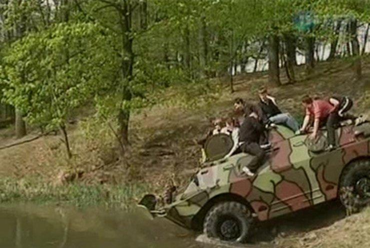 """В Черкасской области братья открыли """"музей"""" военной техники"""