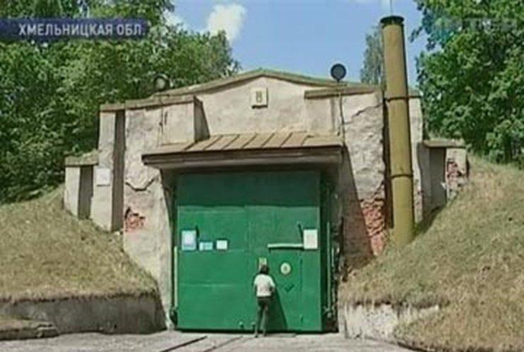 На Хмельниччине крупнейший военный арсенал соседствует с АЭС