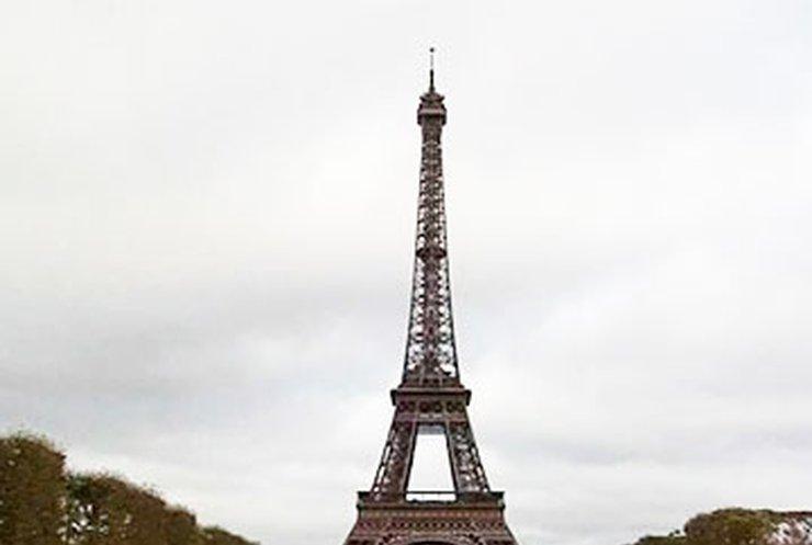 Эйфелеву башню готовят к реконструкции