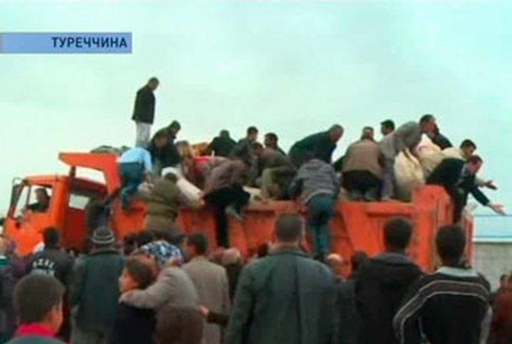 В Турции продолжаются поиски выживших в завалах