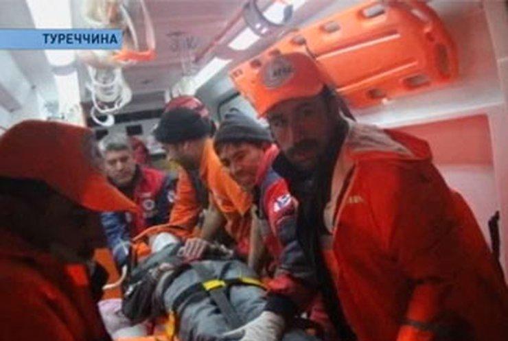В Турции подросток провел 108 часов под завалами