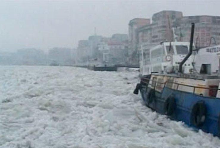 По румынской части Дуная начали курсировать ледоколы
