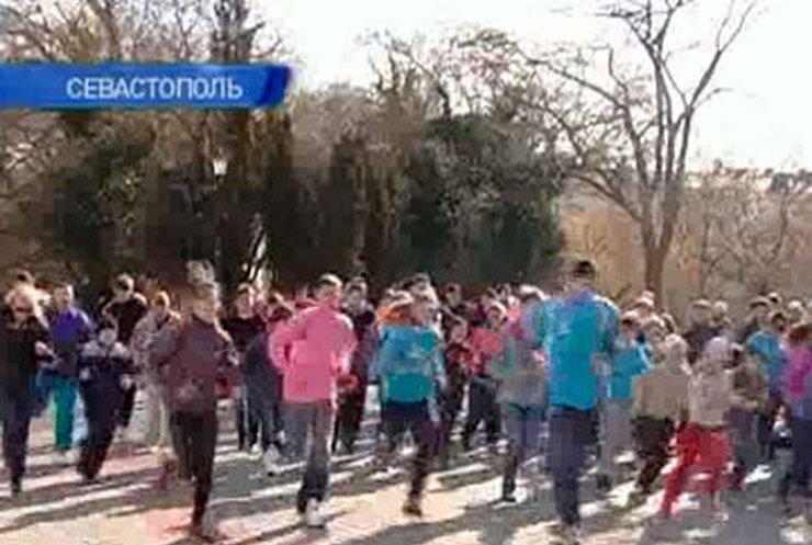 Крымчане положили начало традиции массовых утренних пробежек