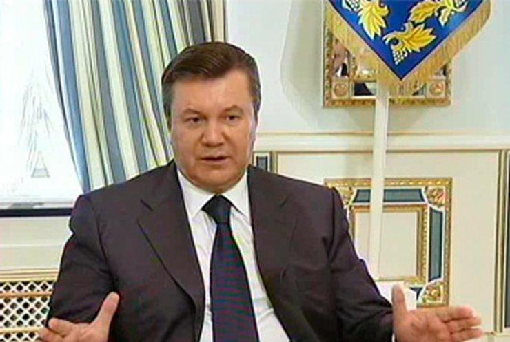 Янукович подписал закон о запрете курения в общественных местах