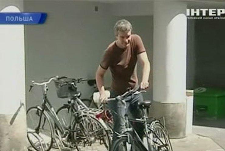 Польских чиновников приучают к велосипеду
