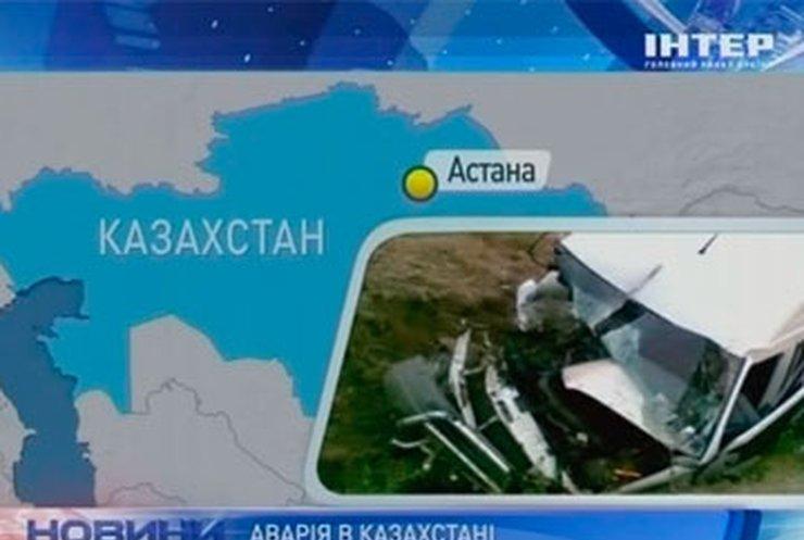 Пятнадцать человек погибли в ДТП в Казахстане