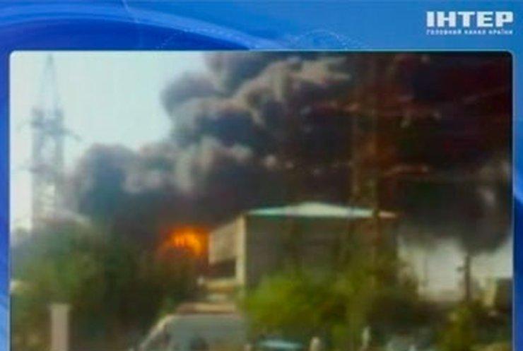 В Баку горит завод моющих средств