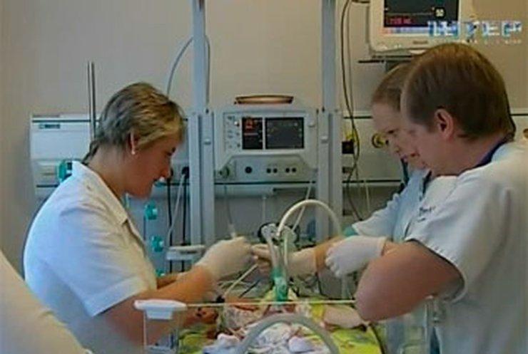 Киевские хирурги провели уникальную операцию на сердце младенца