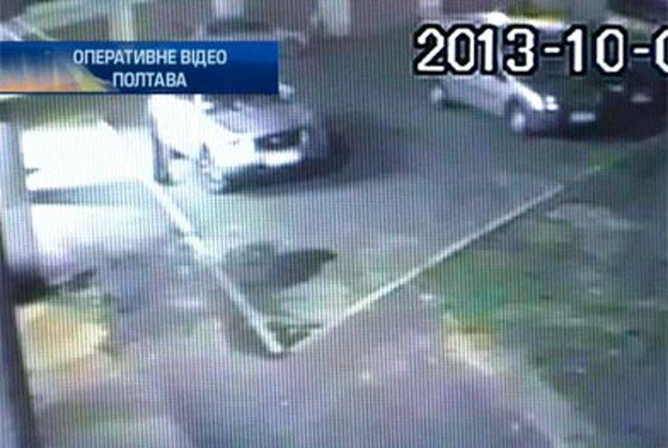 В Полтаве неизвестный сжег автомобиль депутата