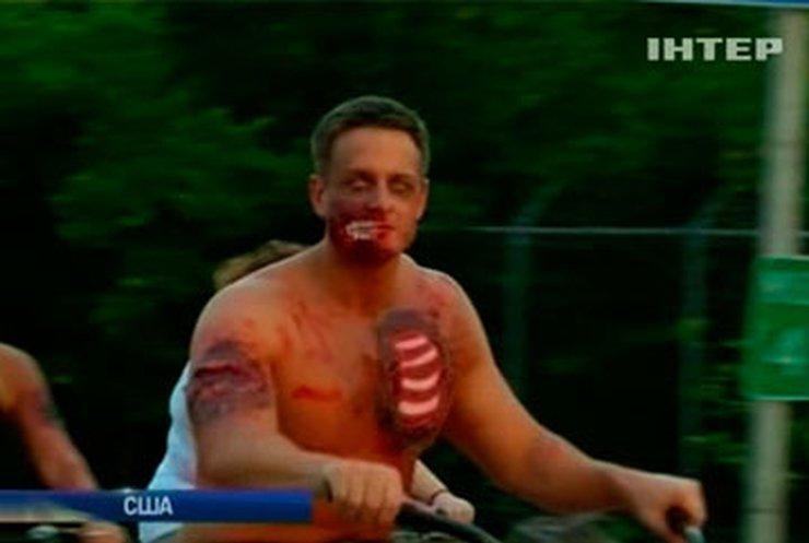 Во Флориде 700 велосипедистов провели зомби-парад