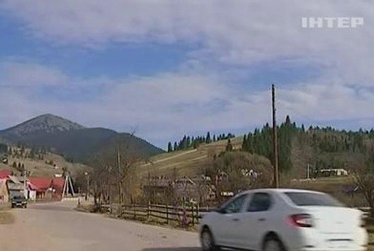 Милиция проводит обыски в курортном селе на Прикарпатье