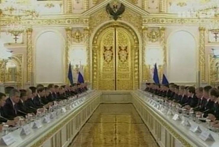 Россия использовала тяжелое экономическое положение в Украине, - ЕС
