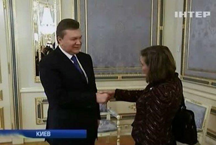Виктория Нуланд встретилась с Виктором Януковичем