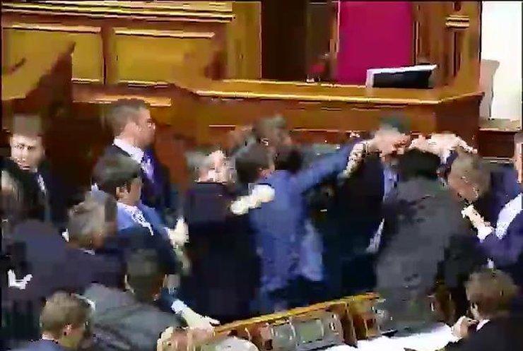 Рада усилила наказание за сепаратизм и утвердила люстрацию судей