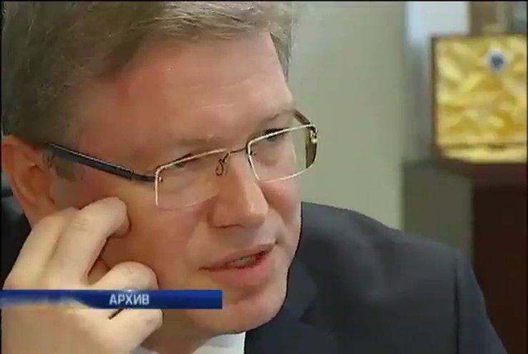 Фюле объявил о том, что в Украине действуют иностранные военные группировки