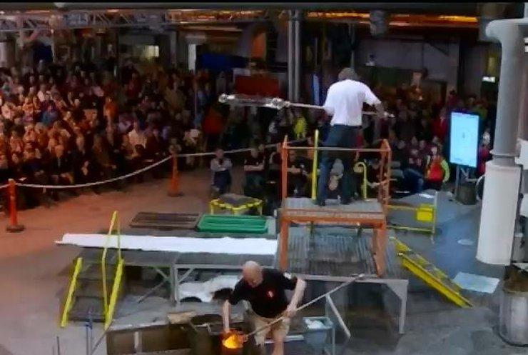 Игры со стеклом: В Финляндии прошел ежегодный чемпионат стеклодувов