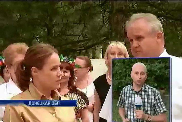 В Красноармейске приняли более 100 больных из Славянска (видео)