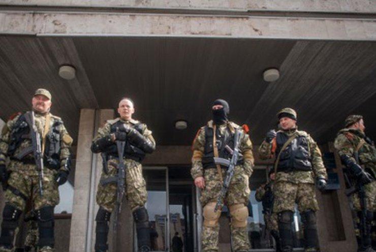 """Террористы активно казнят людей через """"полевые суды"""" - СНБО"""