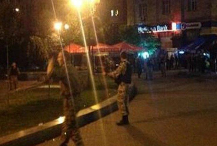Ночью в Киеве на Майдане произошла перестрелка: есть раненые (фото)