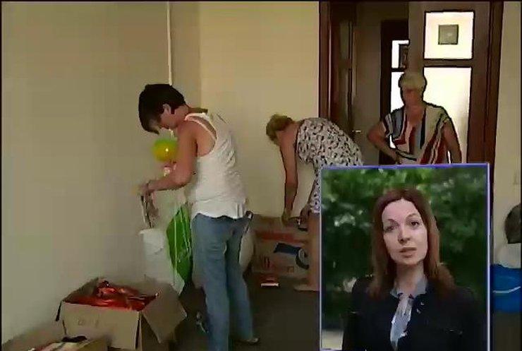 Женская сотня уходит с Майдана