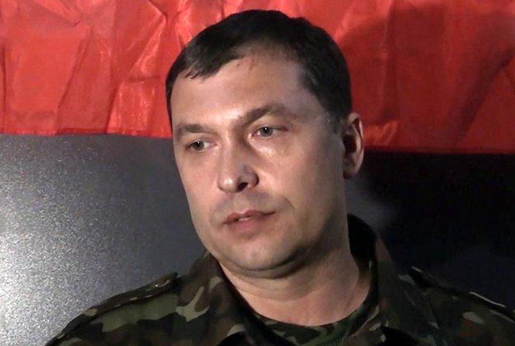 Терорист Болотов палить документи і готується тікати з Луганська