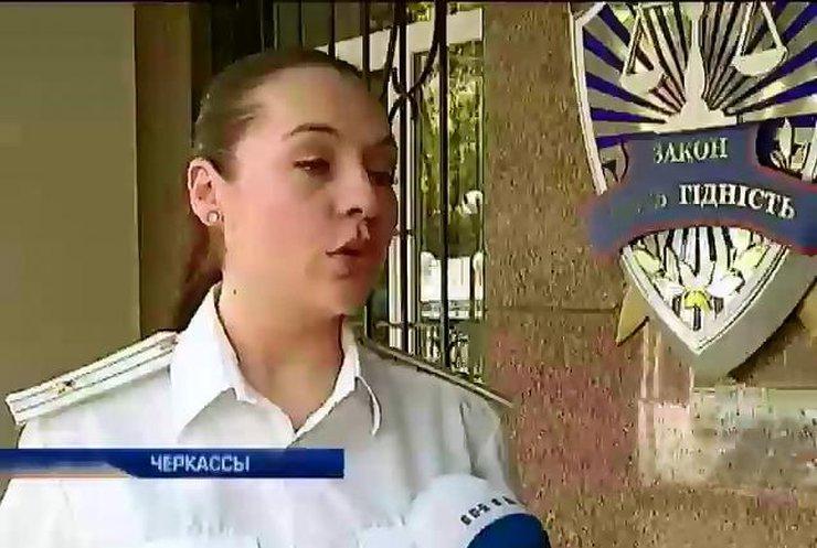 Сына регионала Владимира Олийныка не могут уволить с должности прокурора