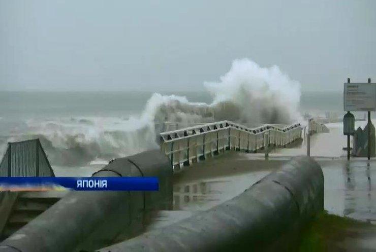 """Тайфун """"Вонг Фонг"""" у Японії залишив без житла 100 тисяч людей"""