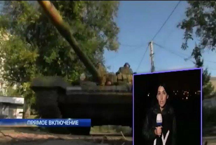 Бронетехника из России зашла в Широкино (видео)