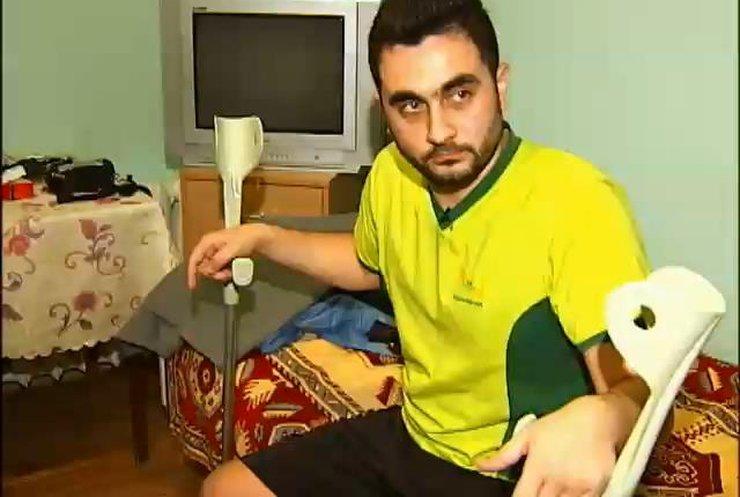 Солдату Володимиру Ганчеву із втраченою ногою не оформлюють інвалідність (відео)
