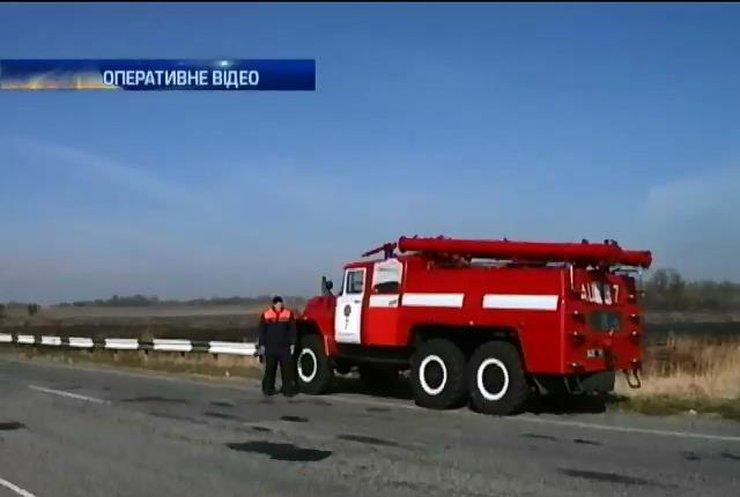У Дніпропетровській області горять 50 гектарів очерету