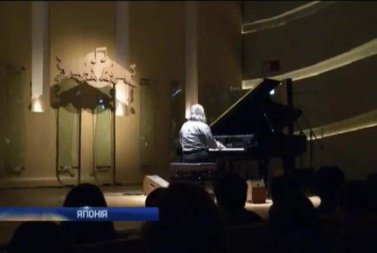 Піаніст з України грає 39 нот за секунду