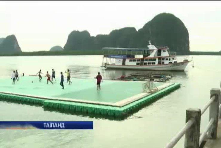 У Таїланді грають у футбол на воді