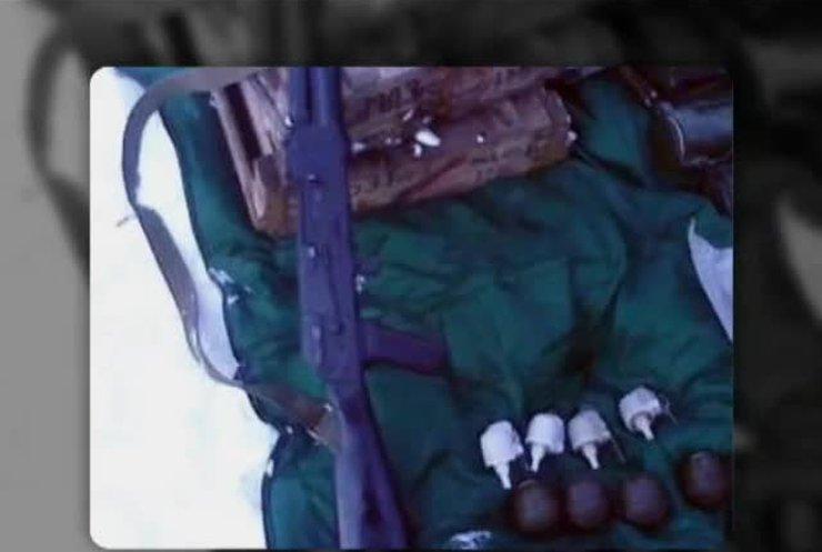 """На Донеччині знайшли арсенал зброї з """"гумконвоїв"""""""