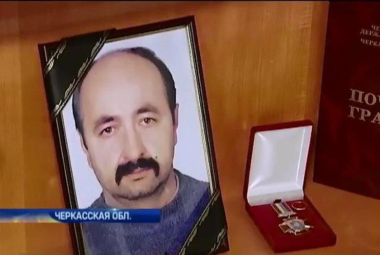 Чиновники Черкасс не хотят платить семье погибшего бойца