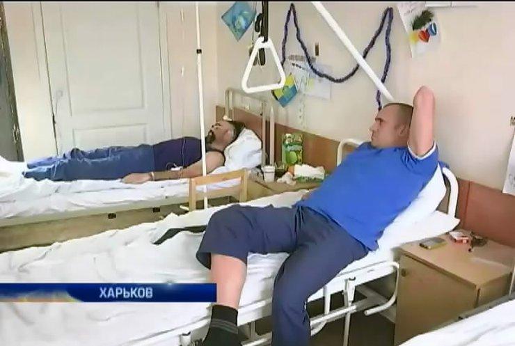 """Харьковский госпиталь не успевает принимать раненых """"киборгов"""""""