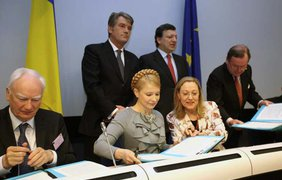 Ющенко и Тимошенко дали газу
