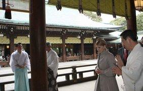 Тимошенко в Японии напоили чаем