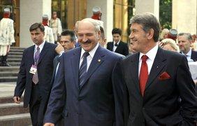 Президент Украины Виктор Ющенко и президент Белоруси Александр Лукашенко