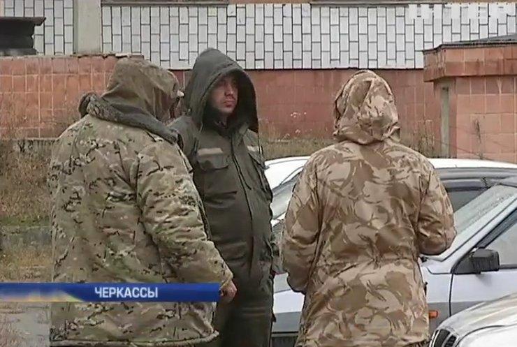 """В Черкассах охранники вывезли из """"Аграрного фонда"""" 10 тонн сахара"""