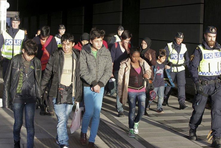 Швеція примусово депортує із 22 тисячі мігрантів