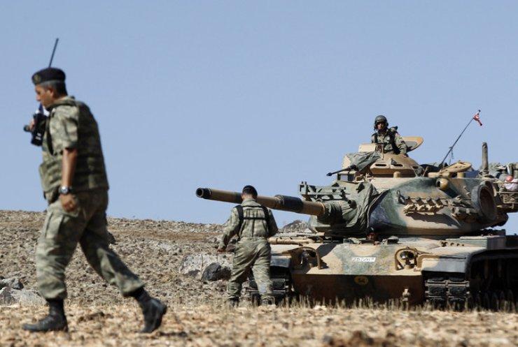 США просят Турцию направить войска к Сирии: видео с границы