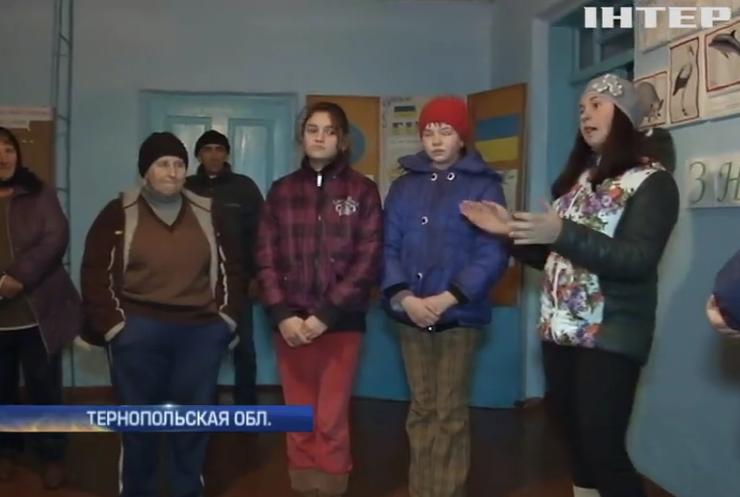 Бюджет экономии: в Украине закроют сотни школ и больниц