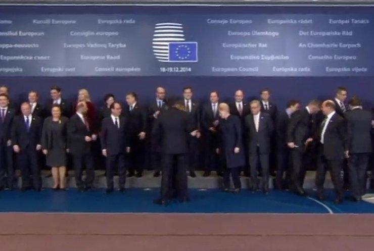 1Порошенко з Мінська вирушив до Брюсселя на саміт ЄС