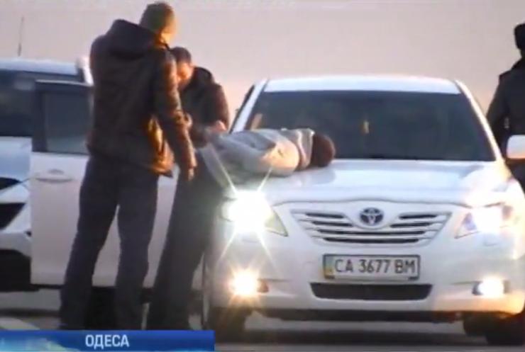На Одещині у міліціонера вилучили півкілограма героїну